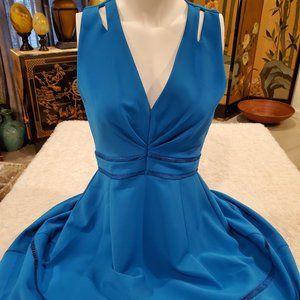Adelyn Rae Cyan Crepe V-neck Sleeveless Dress